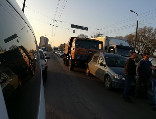 На мосту у Луцьку - чергова ДТП