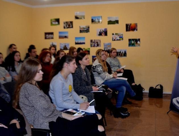 У Луцьку стартувала школа дебатів