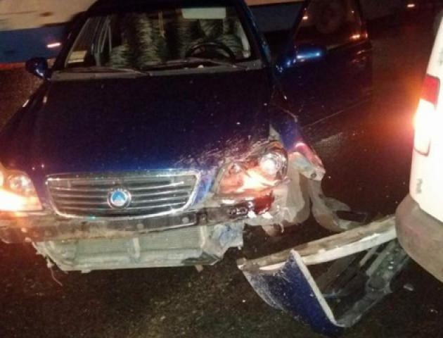 ДТП на Потебні у Луцьку: з'явилося відео аварії