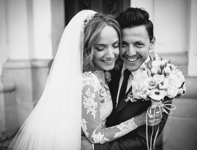 Ведуча з Луцька Світлана Рижук показала свої весільні фото
