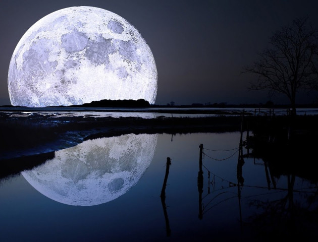 На Місяці знайшли велику печеру