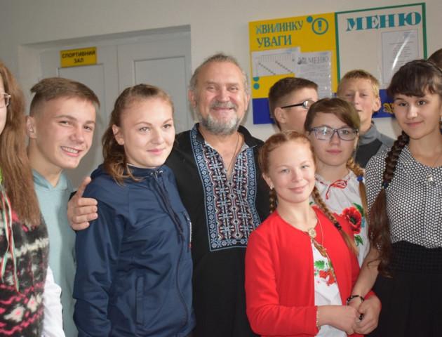 Сашко Лірник розповідав химерні казки волинським школярам