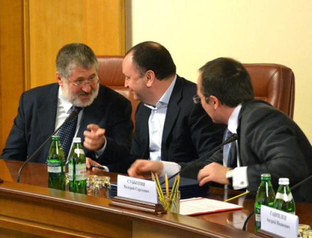 Менеджер Коломойського вимагає зняти його з розшуку