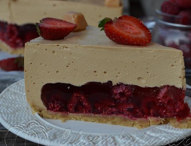 Карамельний торт з малиною, рецепт з фото