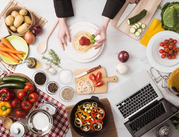 15 кулінарних лайфхаків, які допоможуть тобі на кухні