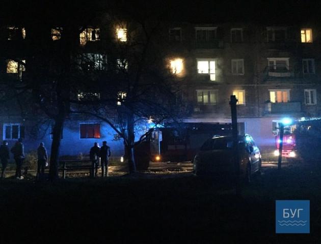 Пожежа на Волині: жінка намагалась вистрибнути із 3-го поверху. ВІДЕО