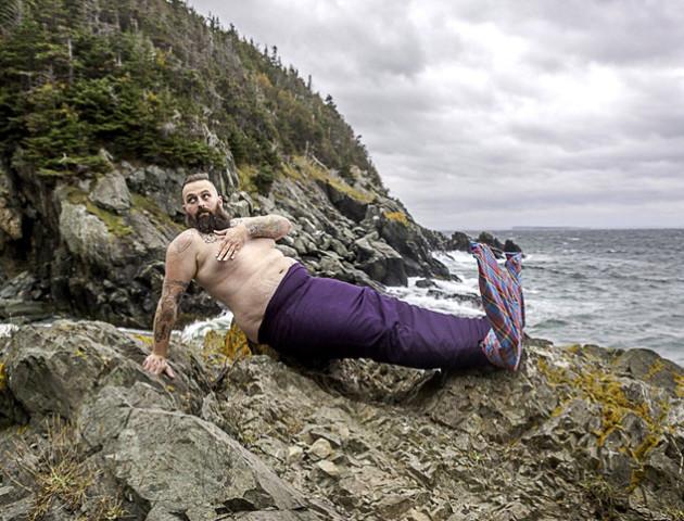 Канадські бородані переодяглися на русалок, щоб зібрати гроші на благодійність
