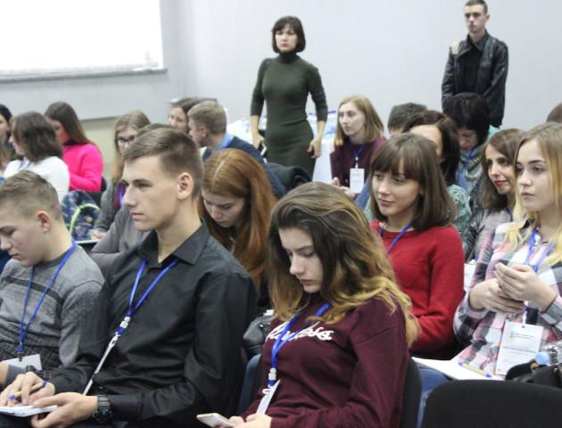 Волинським студентам презентували переваги онлайн-практики у ПриватБанку