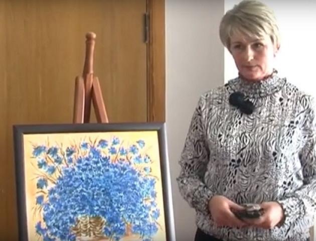 Волинська художниця відкрила у Луцьку першу персональну виставку