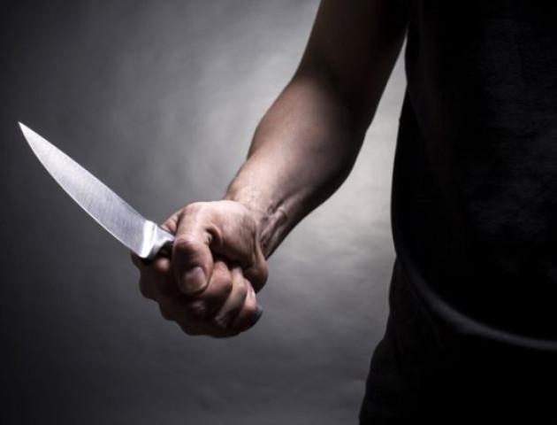 У Ковелі чоловік із ножем викрав у магазині гроші та продукти харчування