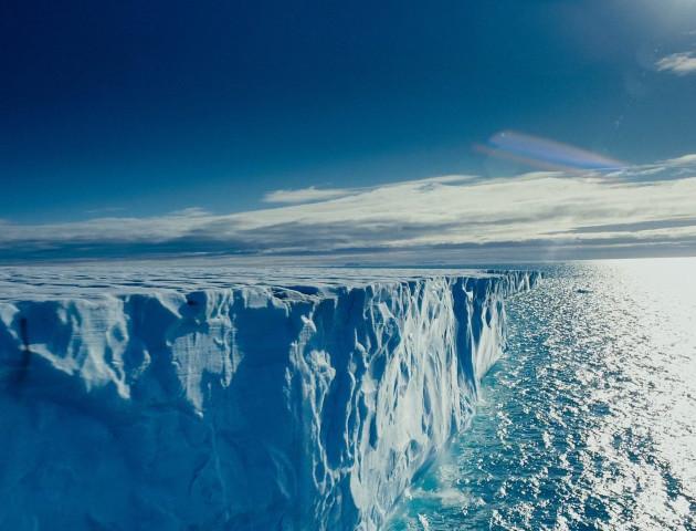 Україна і Франція домовилися спільно досліджувати Арктику