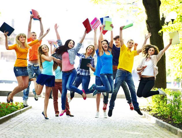 ТОП-3 «фішки» ПриватБанку для волинських студентів