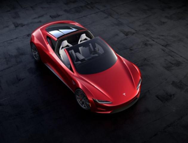 Tesla презентувала найшвидший серійний електромобіль