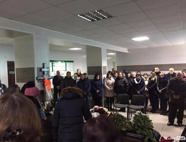 У Шацьку прощаються із загиблим в аварії Сергієм Віннічуком. ФОТО