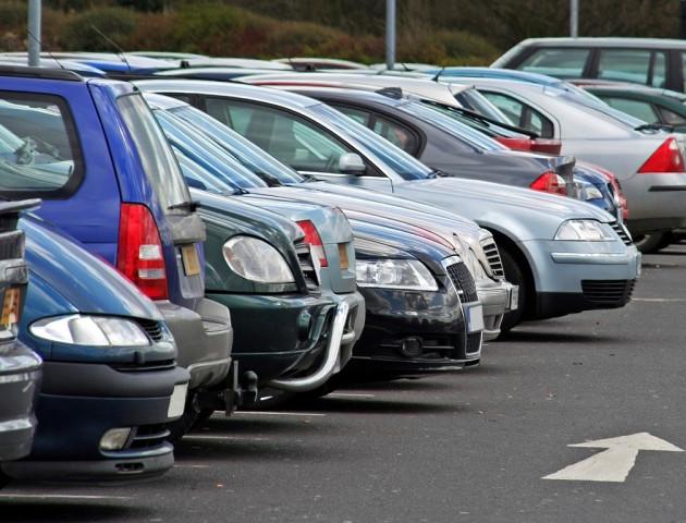 Як вирішити проблему з парковками у Луцьку? ВІДЕО