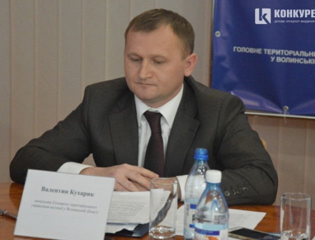 Волинська облрада ініціює звільнення Валентина Кухарика