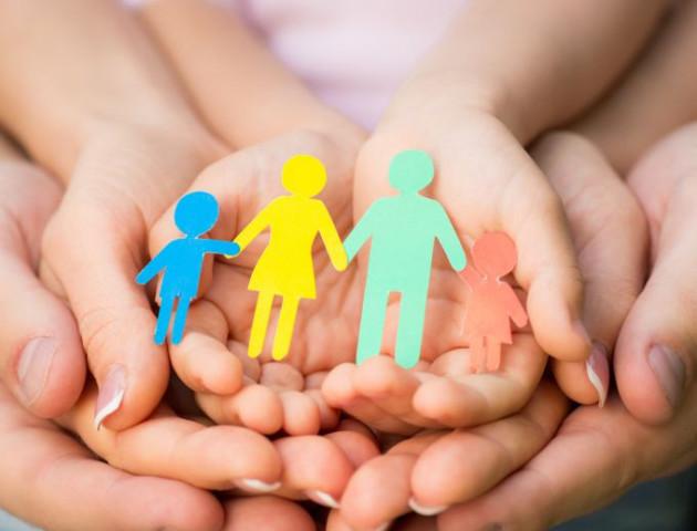 В Україні хочуть змінити правила проживання дитини з розлученими батьками