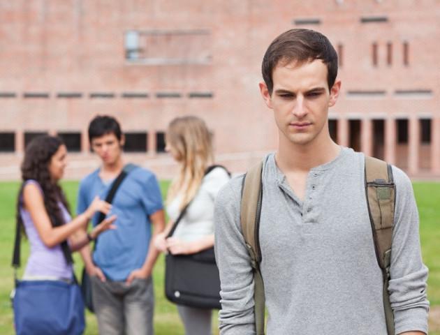 5 прикладів того, як самотність може шкодити здоров'ю