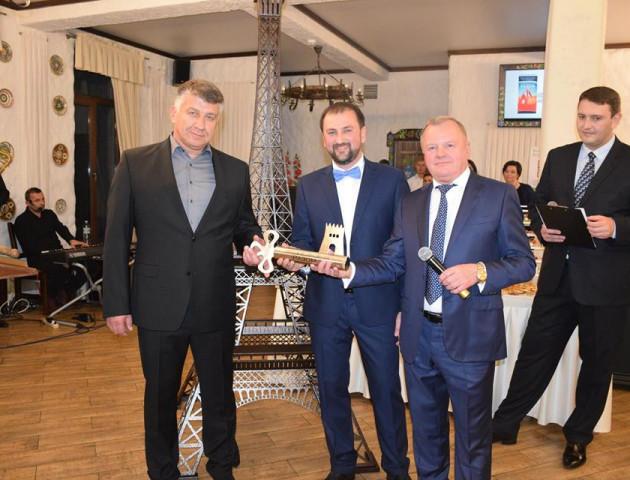 На благодійному вечорі у Луцьку на храм у Волновасі зібрали близько 1,5 мільйона гривень