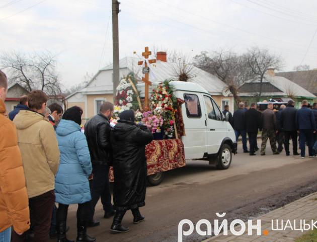 У Шацьку попрощалися з жінкою, яка загинула в ДТП під Голобами
