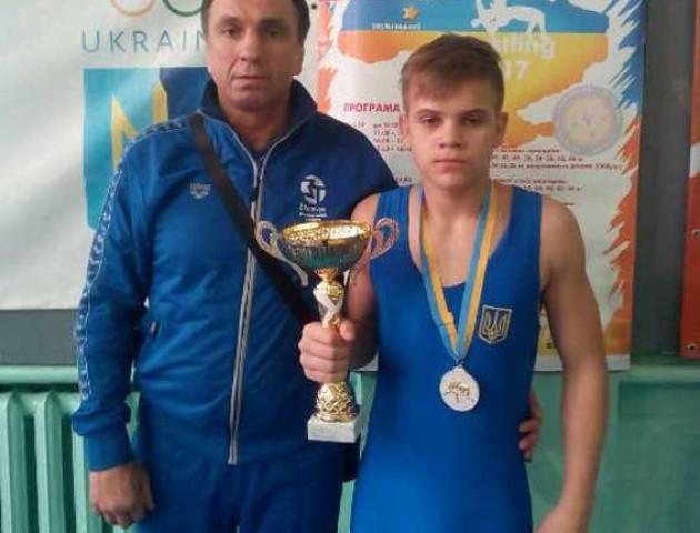 Волинянин виборов «срібло» на чемпіонаті України з вільної боротьби