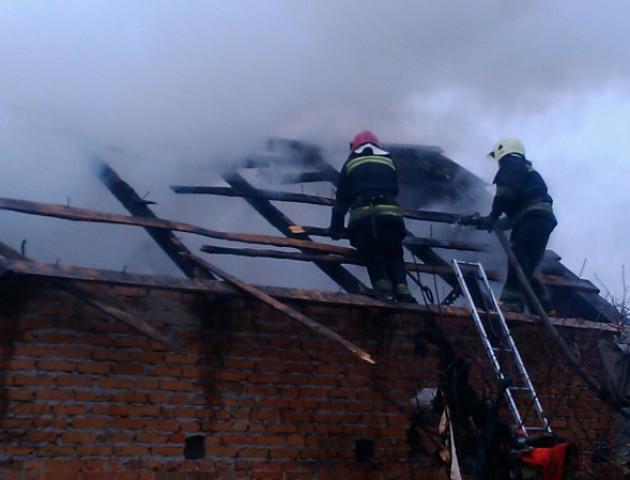 На Волині згорів дах житлового будинку