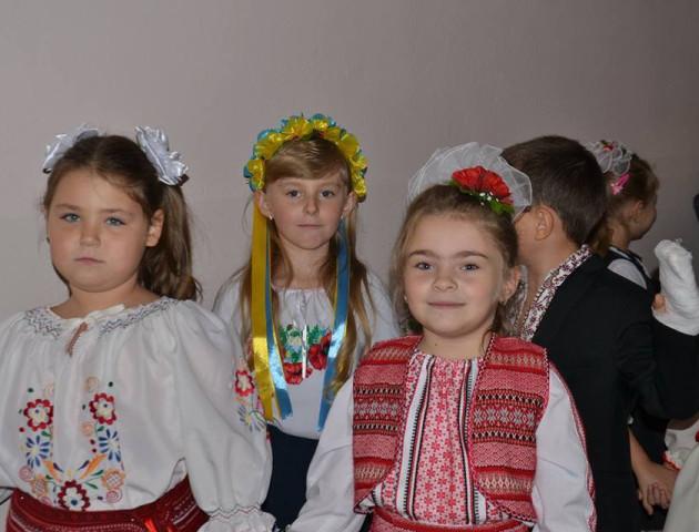 У Нововолинську розшукують першокласницю, яка не повернулася після школи
