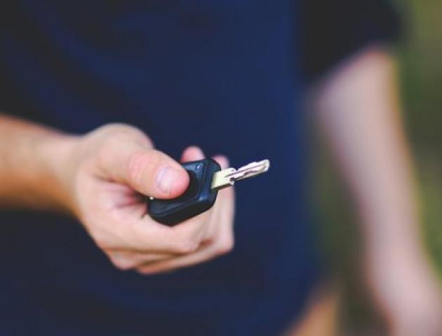 Викрили нову схему шахраїв, які «продають» авто