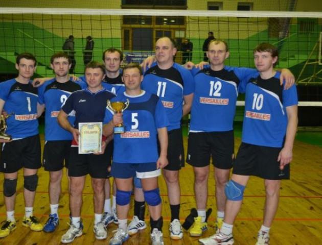 Луцькі волейболісти просять грошей у Волиньради