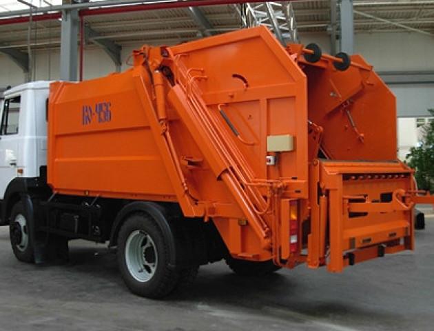У Луцьку з'явиться сміттєвоз, який миє контейнери