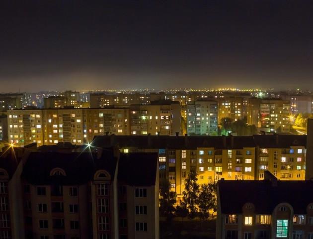 На освітлення вулиць Луцька витратять 3 мільйони