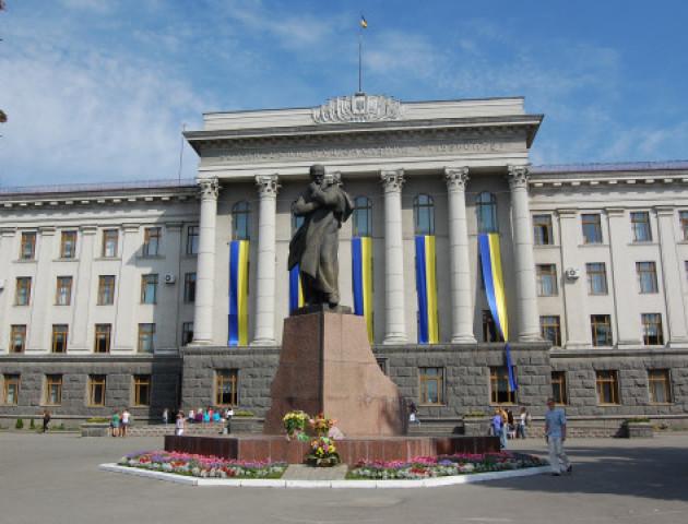 Студенти СНУ заявили, що вони не проти декомунізації