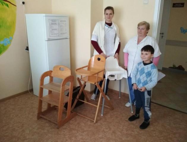 У Рожищі місцевий священик піклується про маленьких пацієнтів місцевої лікарні