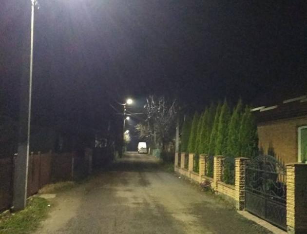 Уперше жителі провулку Вишківського отримали освітлення вулиці