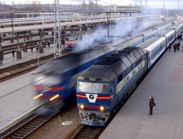 На новорічні свята з Ковеля курсуватимуть додаткові потяги