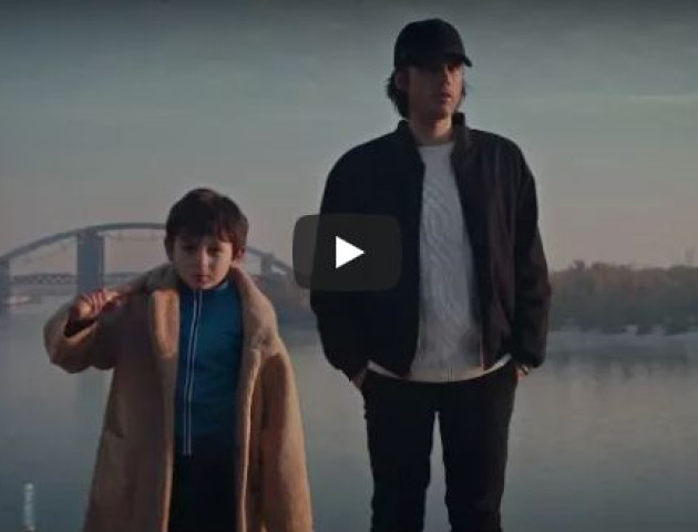 Популярний французький репер OrelSan випустив кліп на пісню про Україну. ВІДЕО.