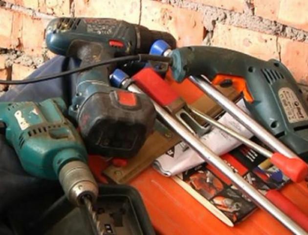 На Волині у жінки вкрали елекроінструментів на 20 тисяч