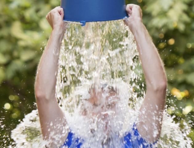 Помер чоловік, який поширив Ice Bucket Challenge у всьому світі