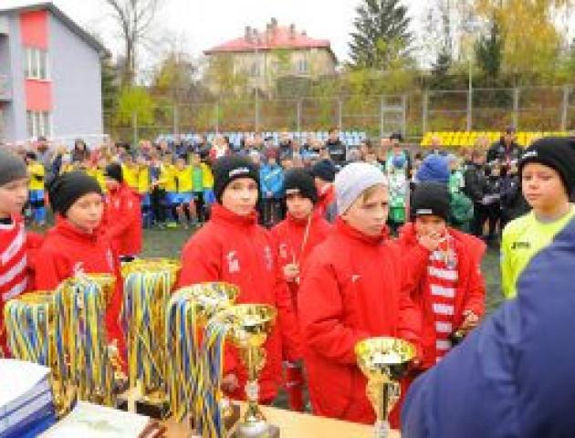 Переможець «Кубка ФК «Адреналін» виведе збірну України на матч проти словаків