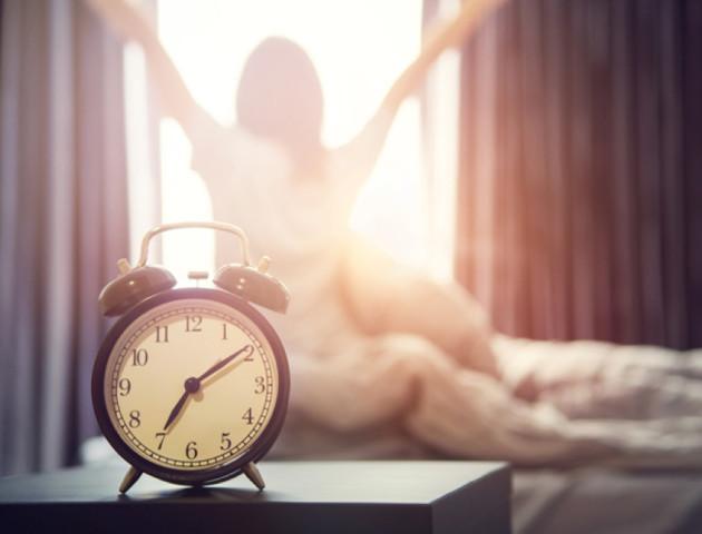 Декілька прийомів, які допоможуть прокидатися раніше