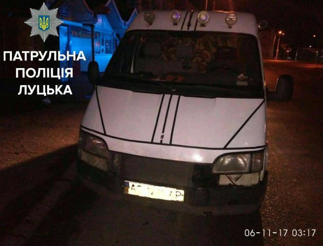 У Луцьку вночі патрульні затримали 3 нетверезих водіїв