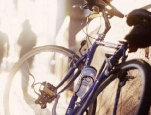У волинянки біля ринку поцупили велосипед