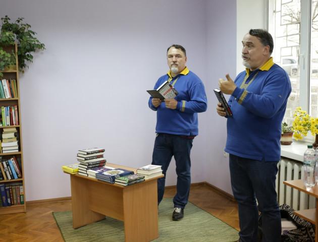 Майдан. Таємні файли: брати Капранови у Луцьку нагадали про Революцію Гідності. ФОТО