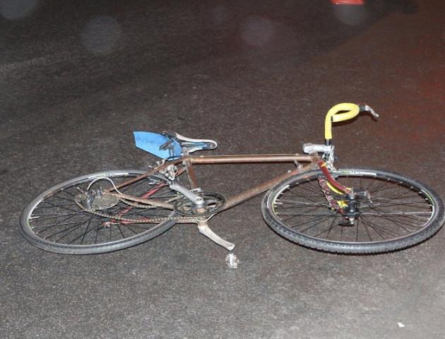 На Волині авто збило велосипедиста. Постраждалий у реанімації