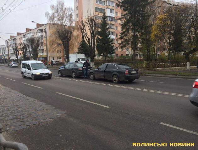 У Луцьку на Перемоги - ДТП