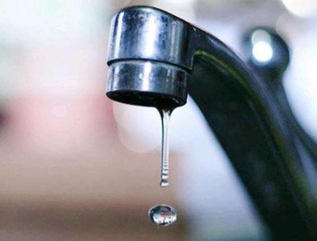 У Луцьку кілька будинків вже дві доби «відрізані» від води