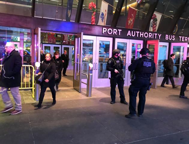 У Нью-Йорку стався вибух, затримали терориста-смертника - ЗМІ