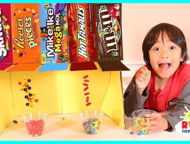 6-річний хлопчик заробив $11 мільйонів за рік оглядами іграшок на YouTube