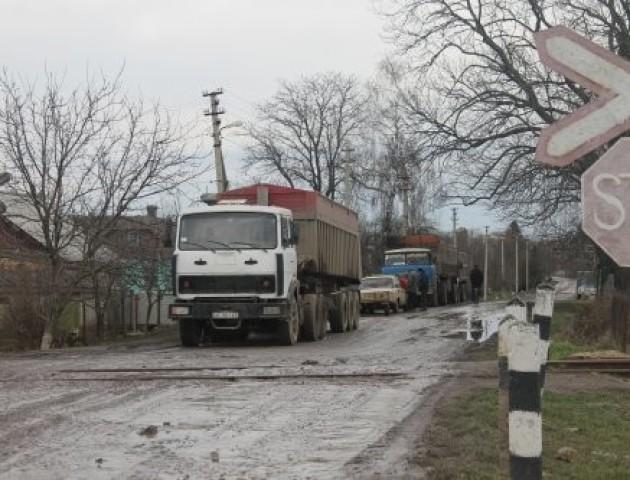Через вантажівки з цукровим буряком волиняни поскаржились поліції
