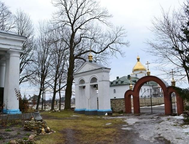 У Світязі прислужник монастиря викрав коштовності з чудотворної ікони